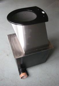 Compact toilet pedestal and base box